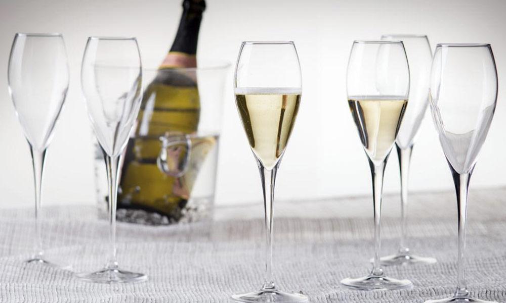 Como guardar os copos até ao ano que vem Conforama