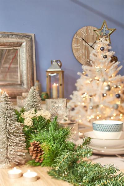 Guardar a árvore de Natal na sua caixa original Conforama